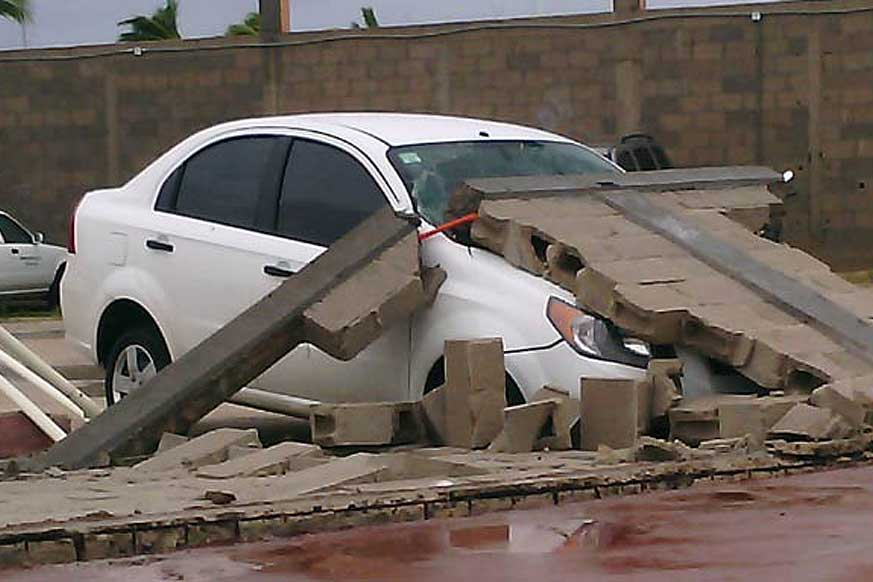 The force of the winds in La Paz had the ability to topple cement block walls.