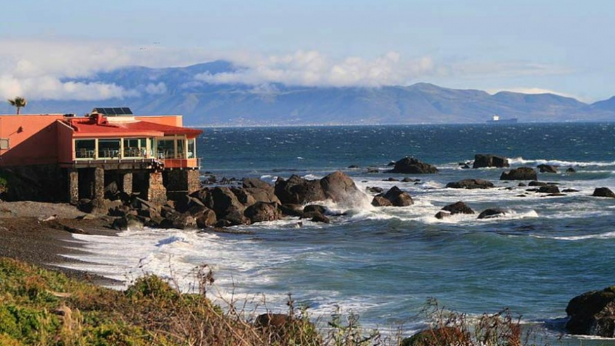 A Pacific coastal home near Ensenada