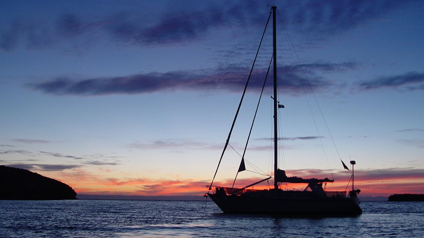 37' Hunter Cherubini Cutter anchored in the Sea of Cortez