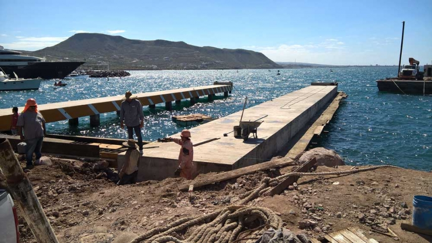 Construction of the piers extend out about 150' into the Ensenada de La Paz.