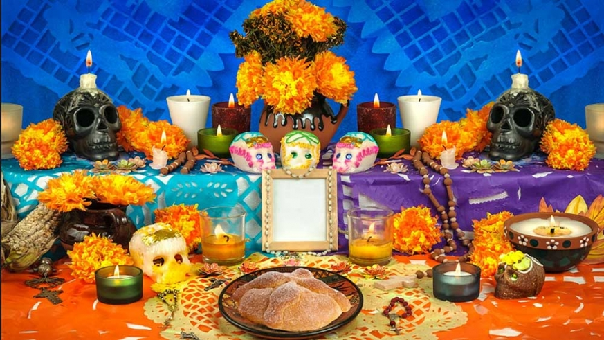 A traditional Dead of the Dead alter for offerings
