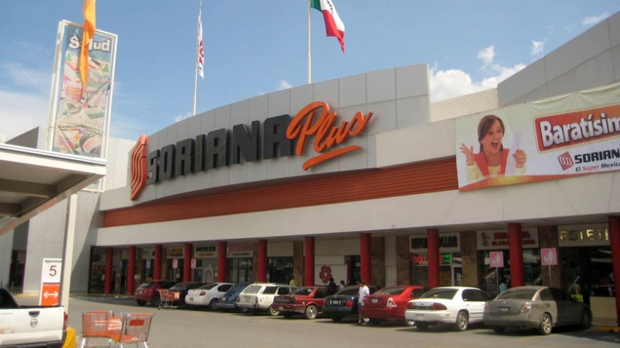 A Soriana Plus like this one opened in the commercial zone known as the Cola de Ballena/Whale Tail, comparable to a Walmart Superstore