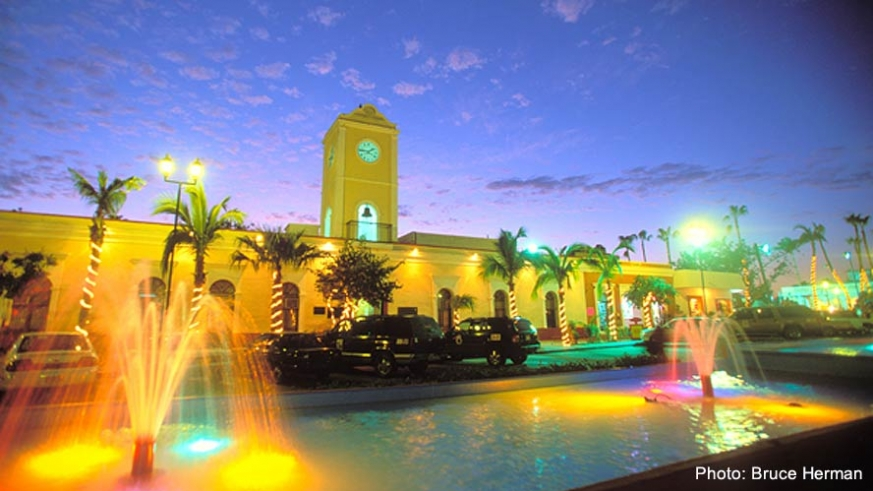 San Jose del Cabo illuminated at night