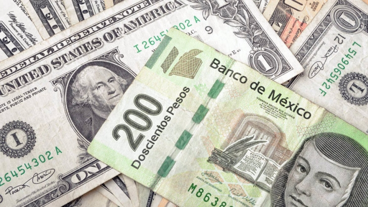 Currency exchange - changing your dollars to pesos